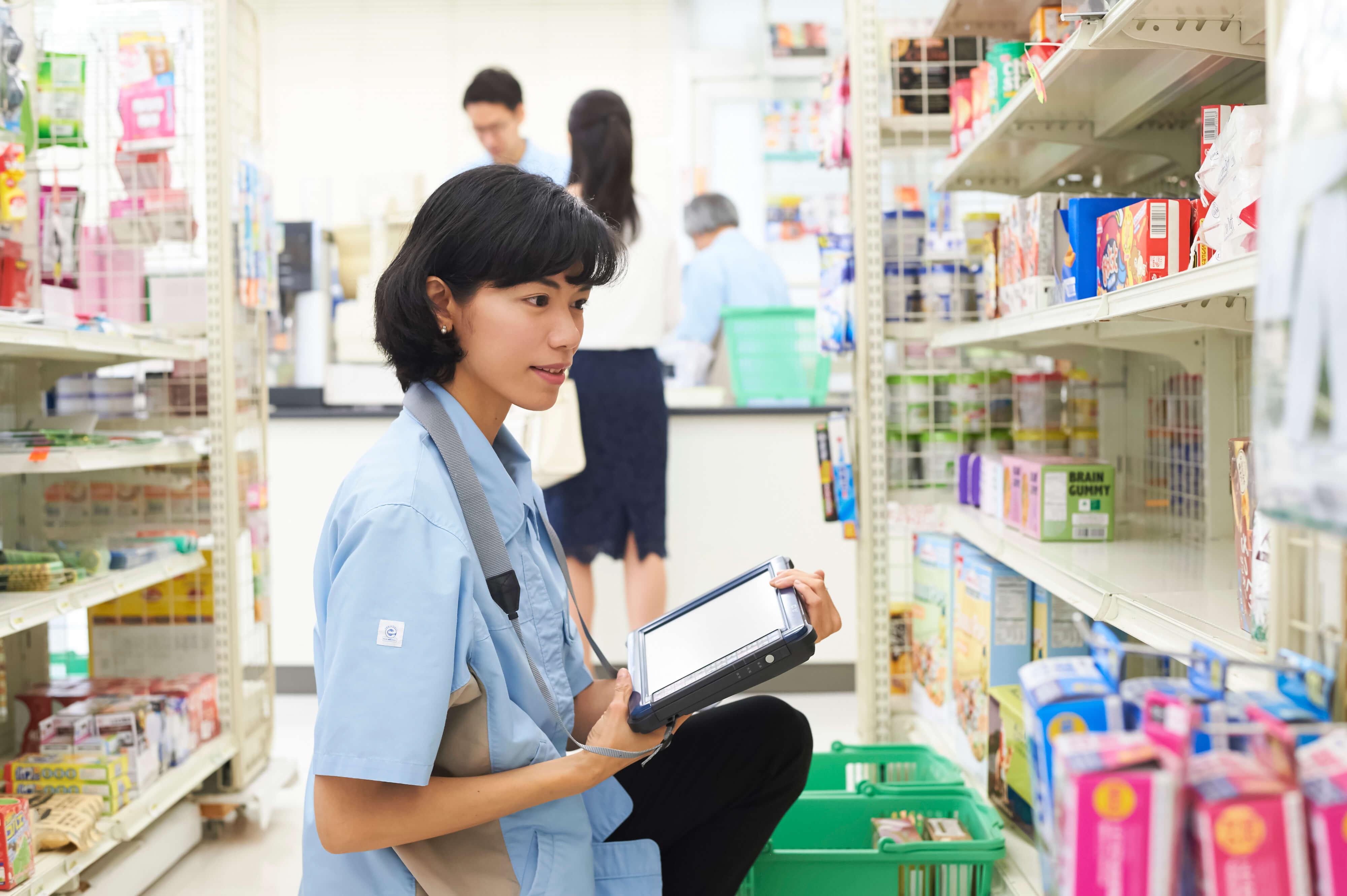 オーバーワークは双方罰則。外国人留学生の労働時間週28時間を守るには